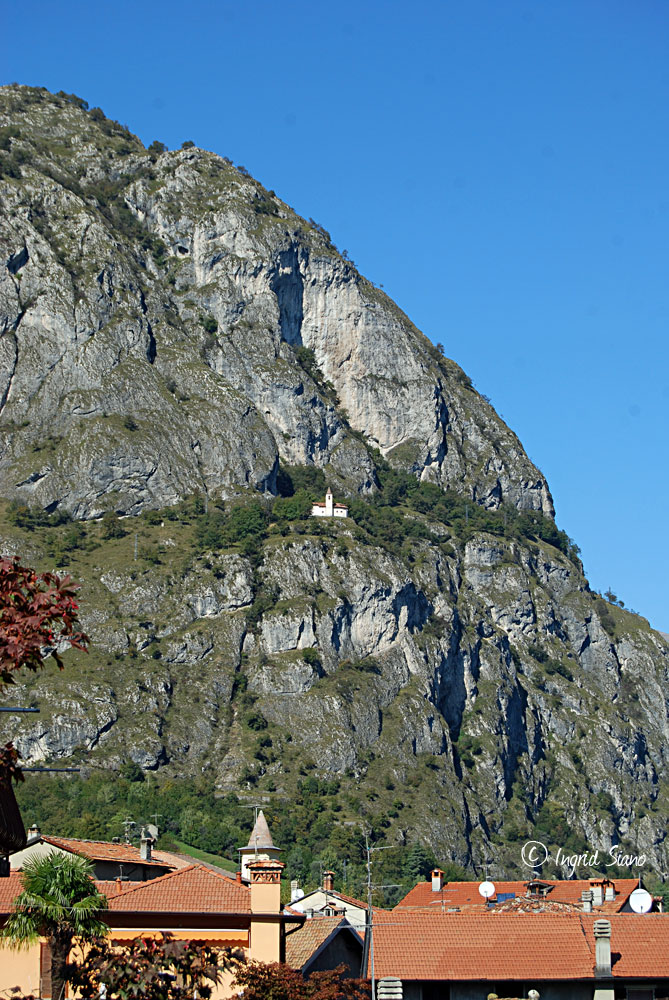 Chiesa San Martino on Lake Como