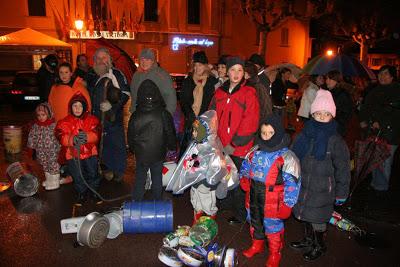 """Die Veranstaltung """"La Giubiera"""" in Varenna vertreibt mit viel Krach den Winter am Comer See"""
