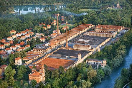 Panoramic-view-Factory-town-Crespi-d'-adda,-Adda-Nord-Nature-Park