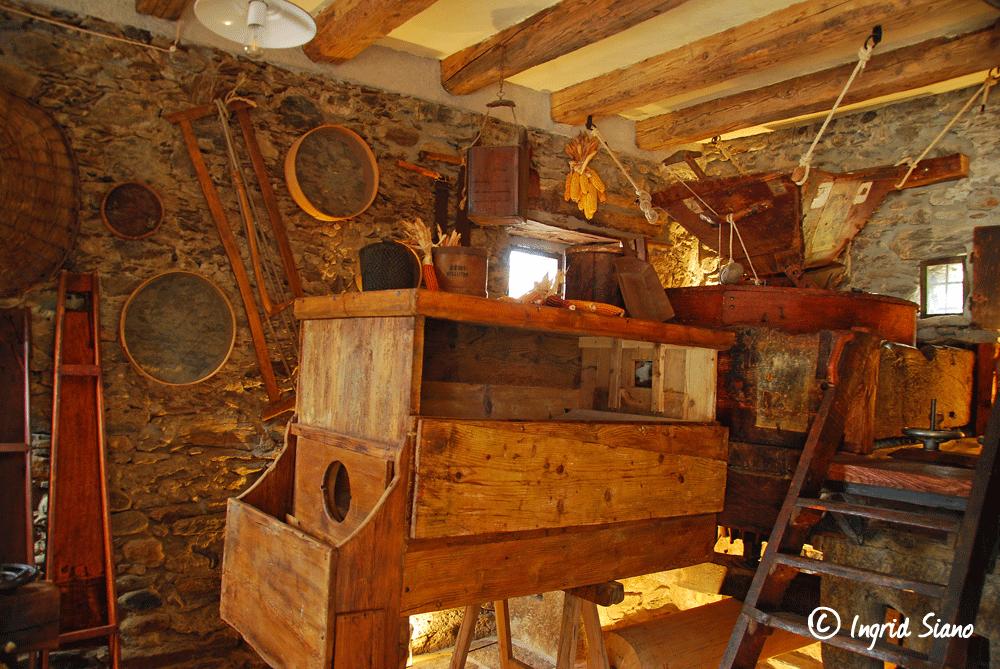 Innenraum der restaurierten Molino Maufet in Villatico oberhalb von Colico am Comer See