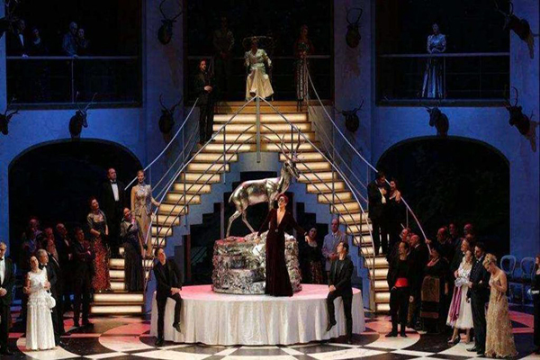 Operette Die Fledermaus in Lecco am Comer See