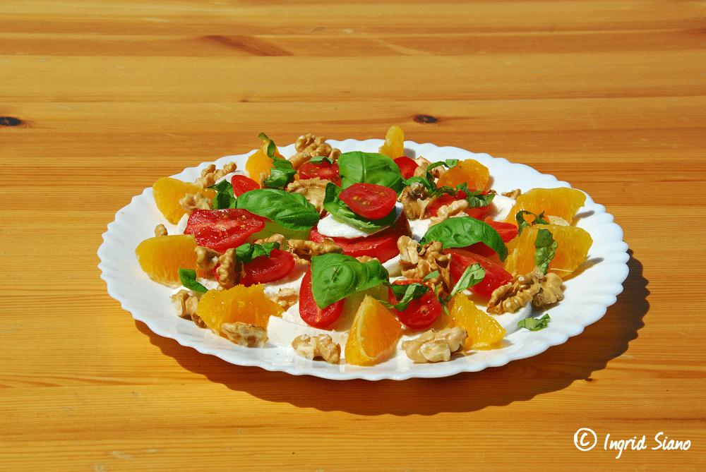 Mozzarella mit Tomaten, kalte Häppchen am Comer See